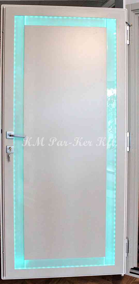 beltéri ajtó, nyílászáró 20, ledes üveg, fehér festett
