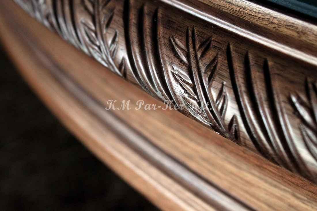 Geschnitzte Möbel 08, Tisch-Detail