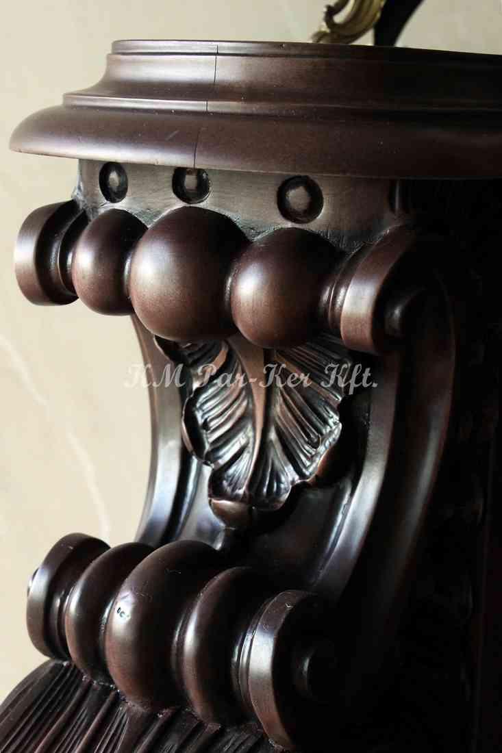 Geschnitzte Möbel 10, Säule-Detail