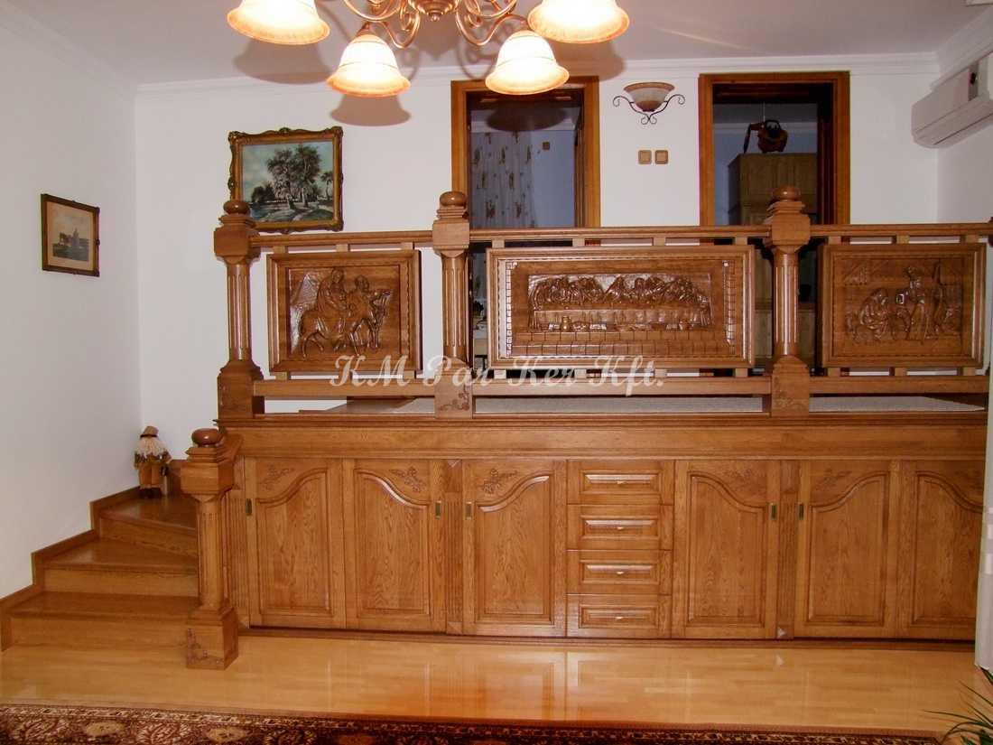 Handgeschnitzte Möbel 62, Treppe