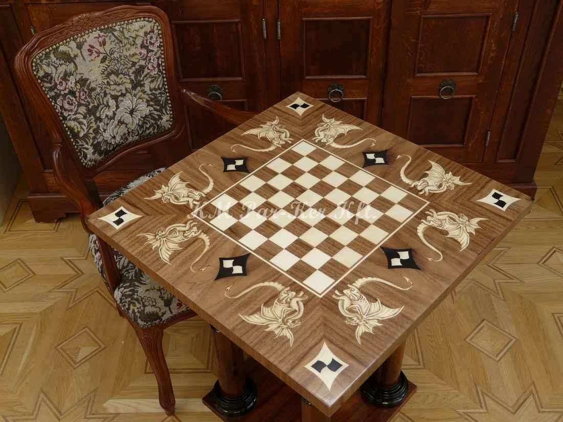 Individuelle Intarsien Tisch -Drachenschach