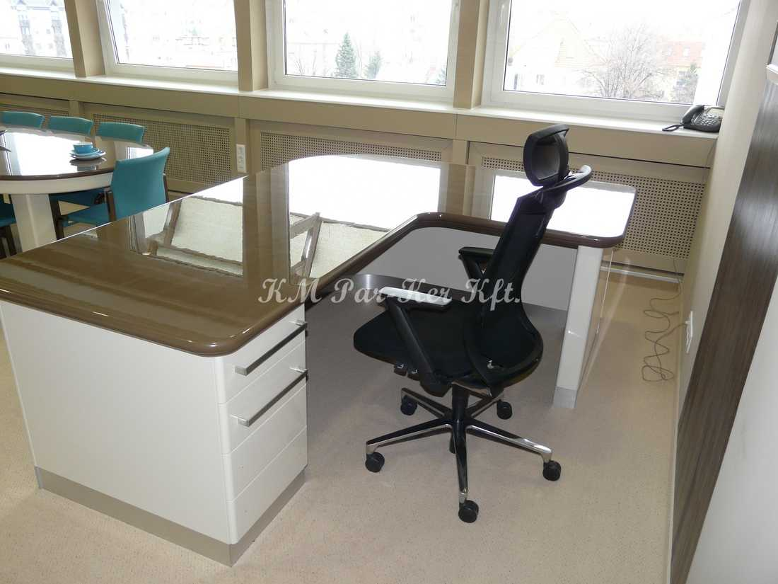Individuelle Möbel Herstellung 30, Konferenztisch