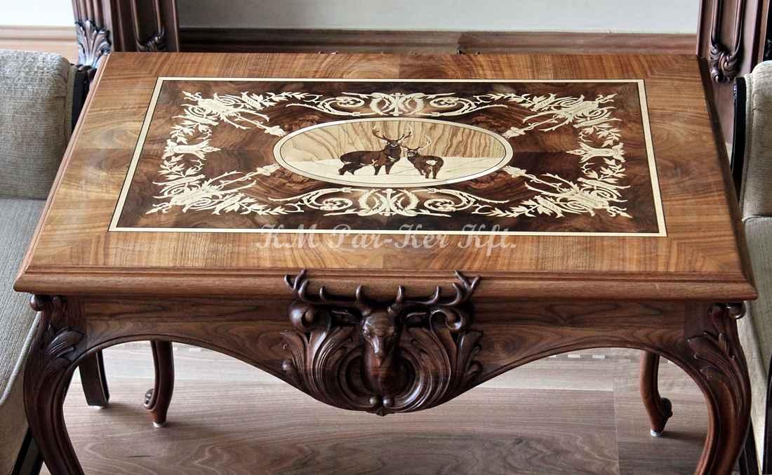 Intarsien Möbel 11, Tisch mit Hirsch