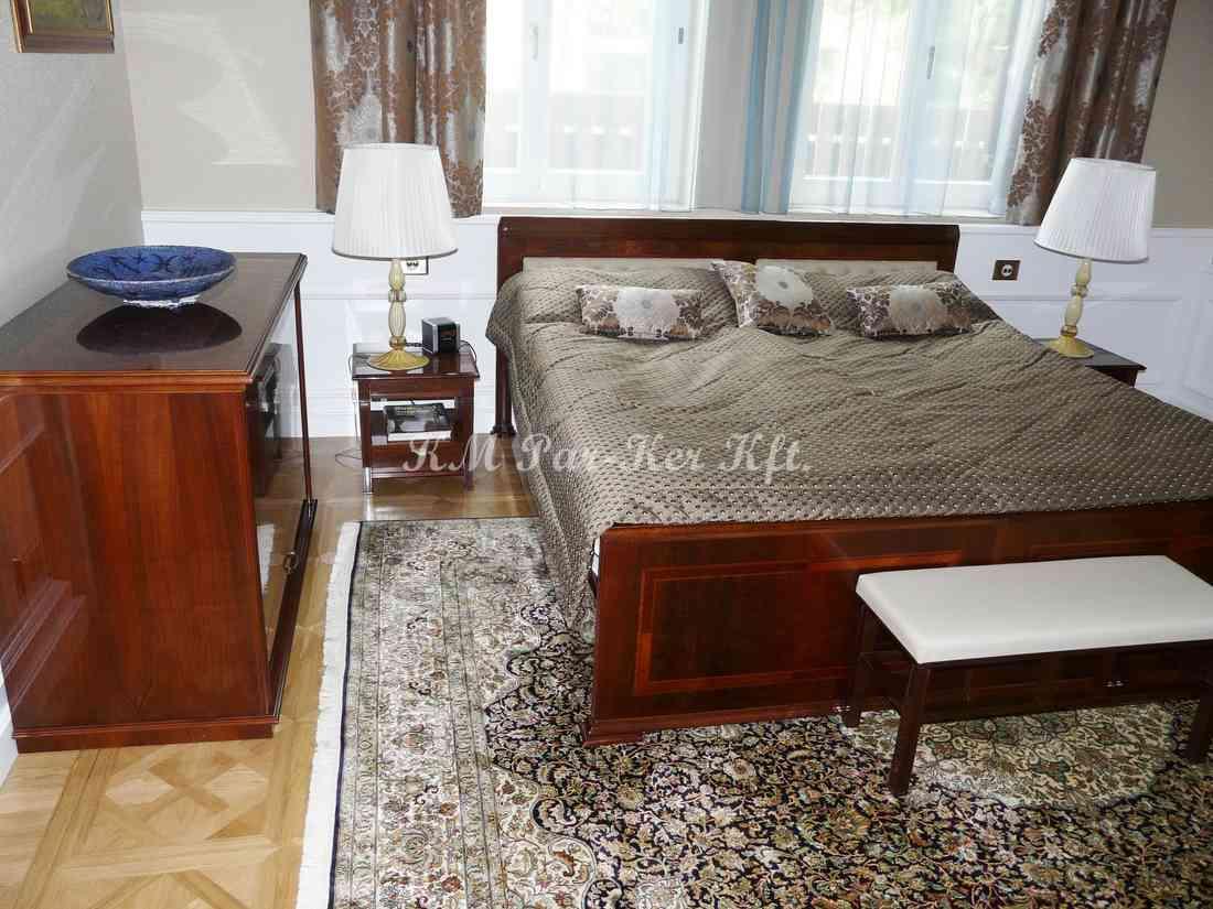 Intarsien Möbel 57, Bett mit Hochglanzlack
