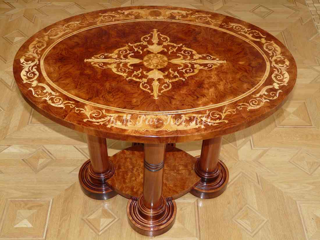 marquetry table, Renaissance oval