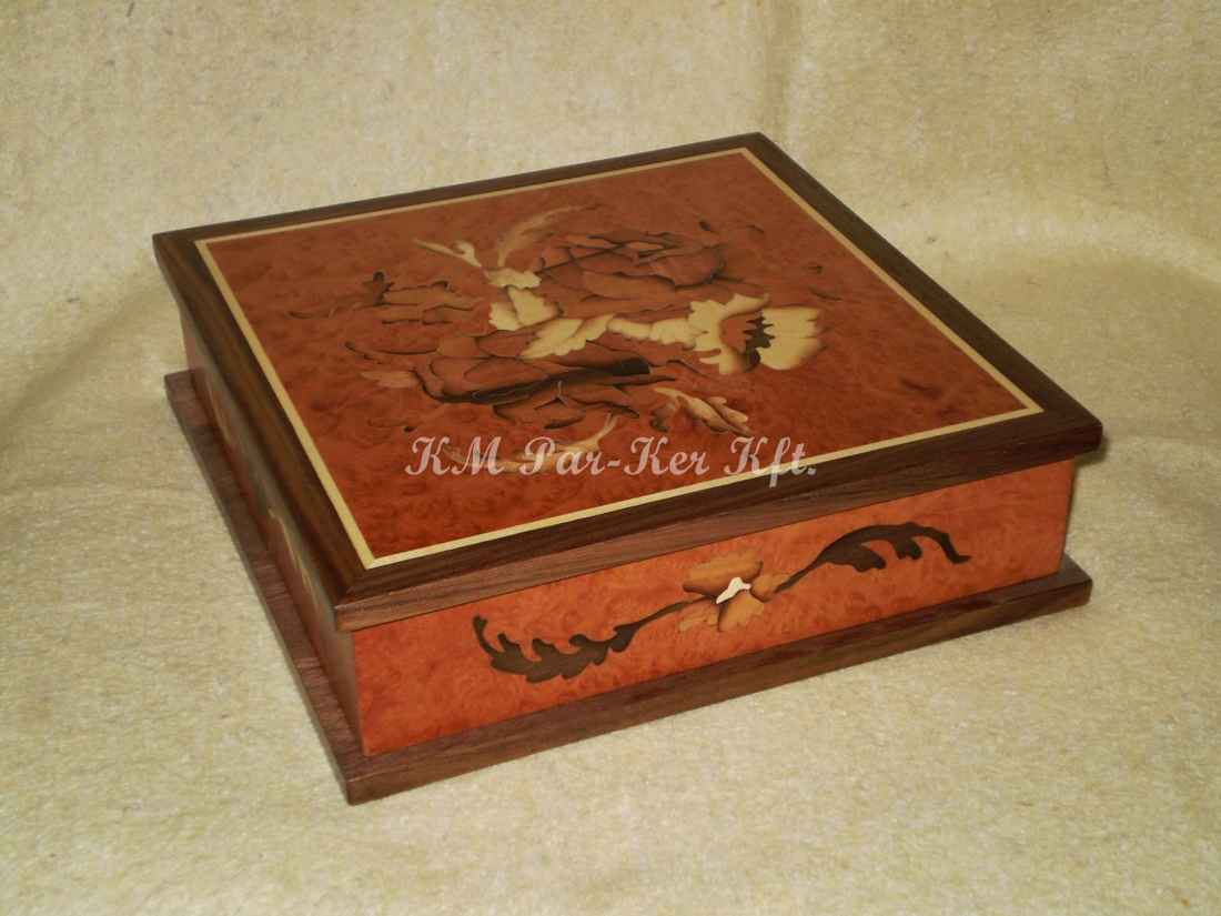 wood inlay box 14, Art nouveau flower