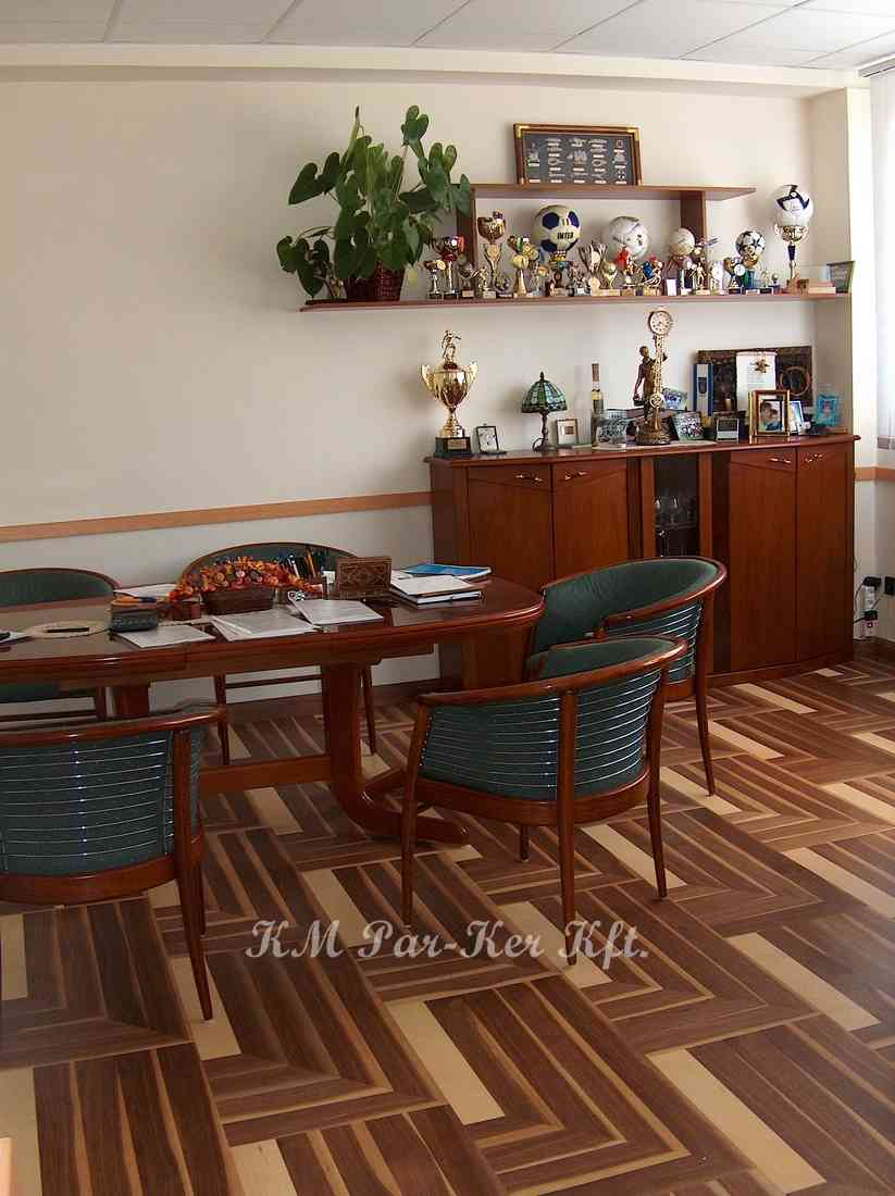 wood inlay floor 20, Kapuciner 2 (walnut, maple)