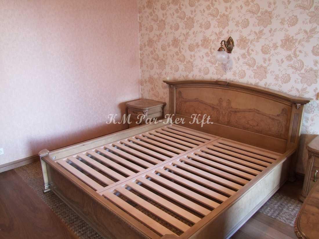 egyedi bútor 40, ágy, kőris