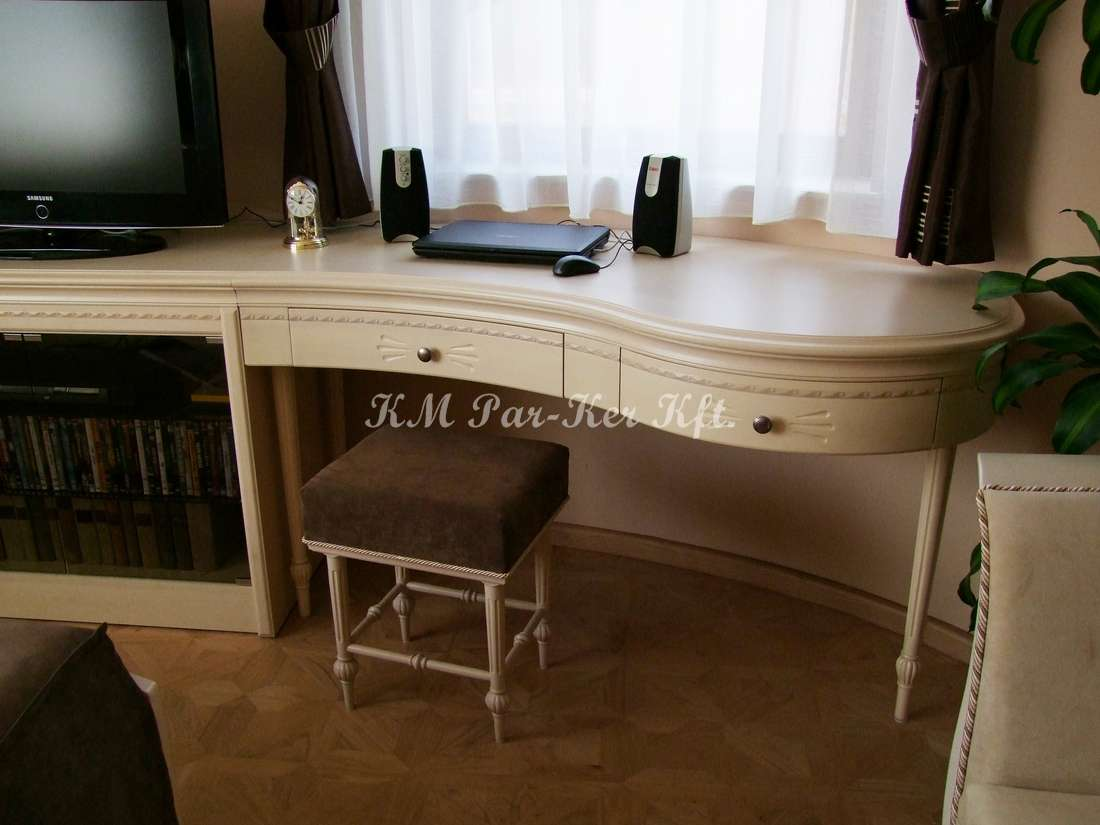 egyedi bútor 45, fésülködő asztal