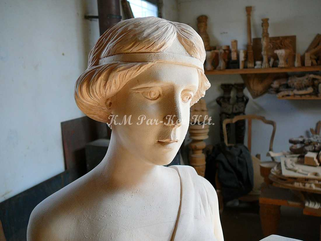 fabrication de meuble sur mesure 22, statue sculptée