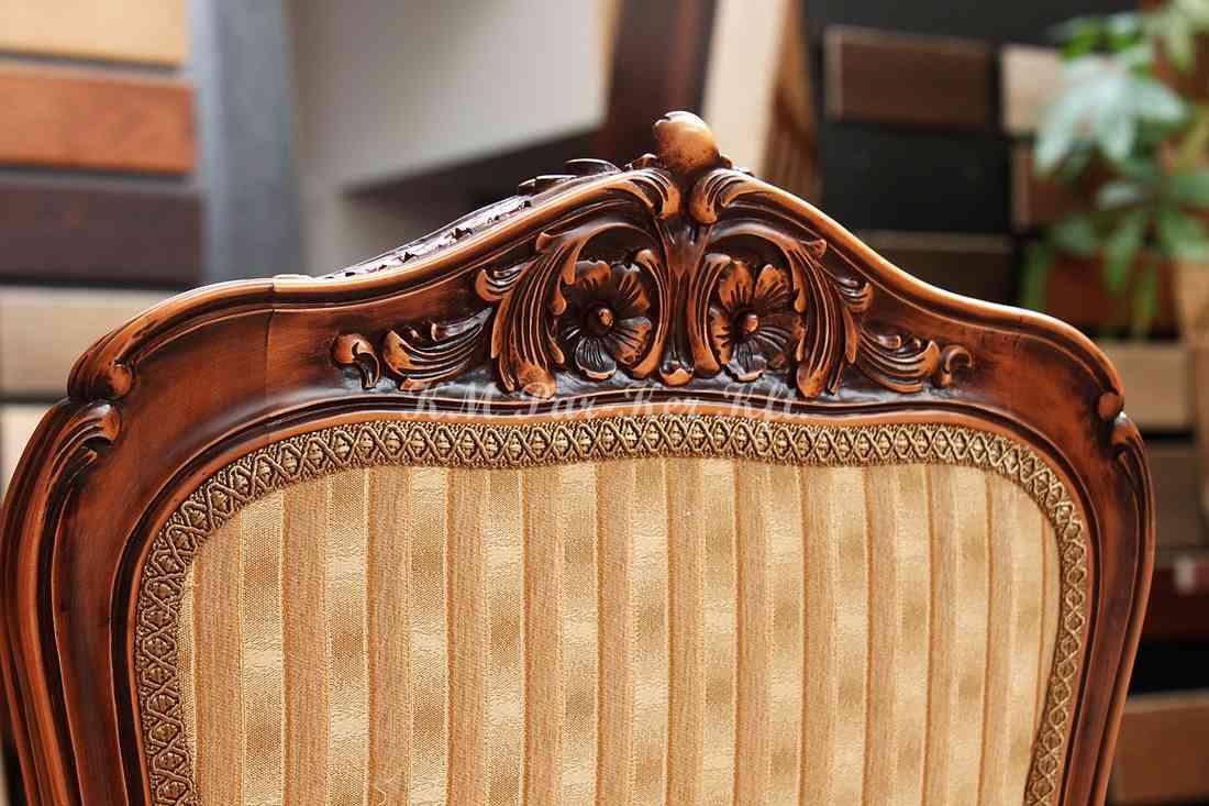 meuble sculpté 17, dossier de chaise