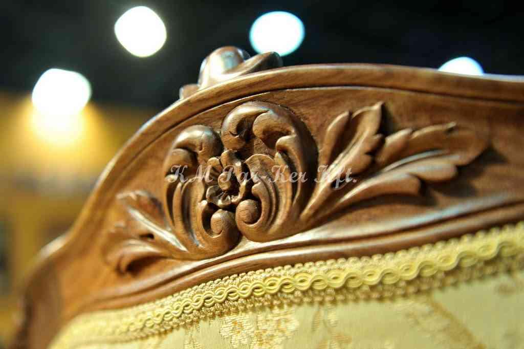 meuble sculpté 28, dossier de chaise