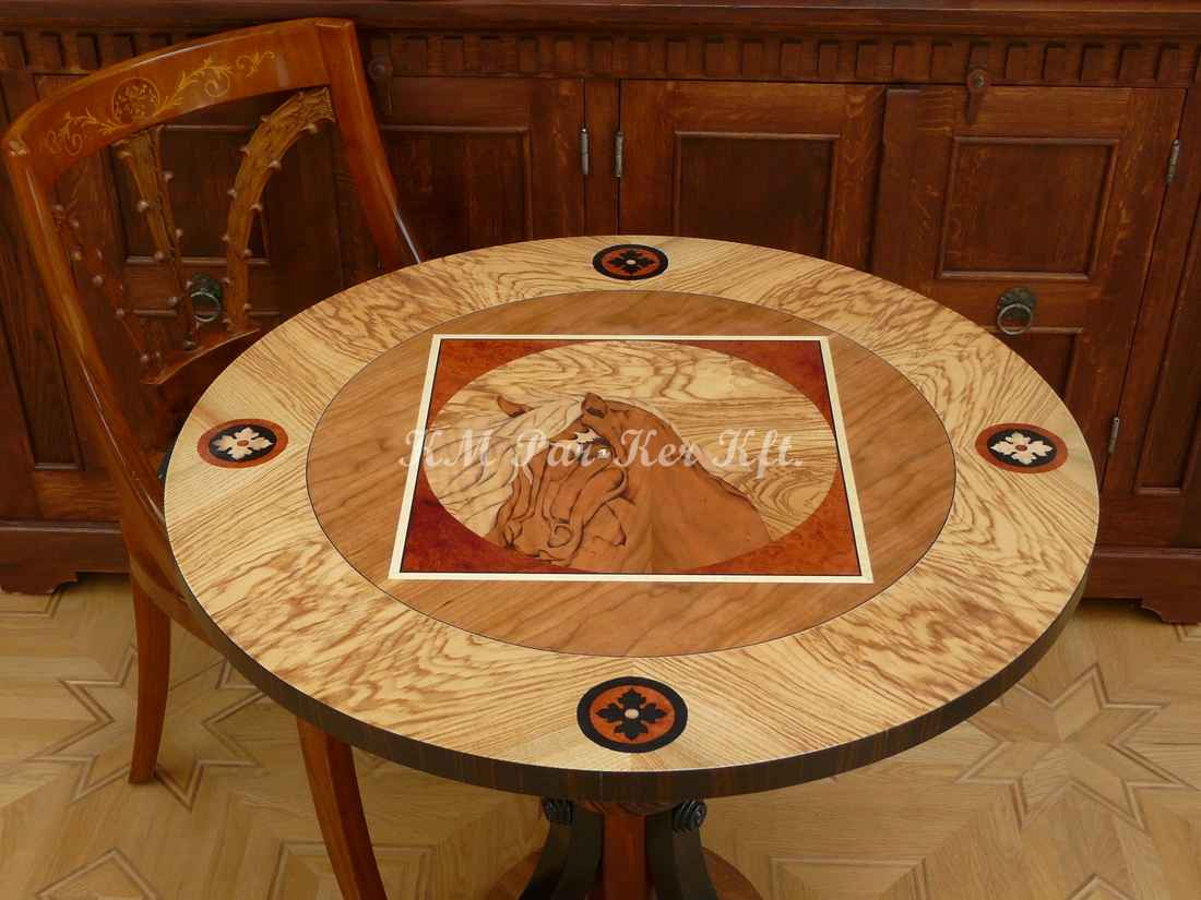 table marqueterie, Cheval, frêne