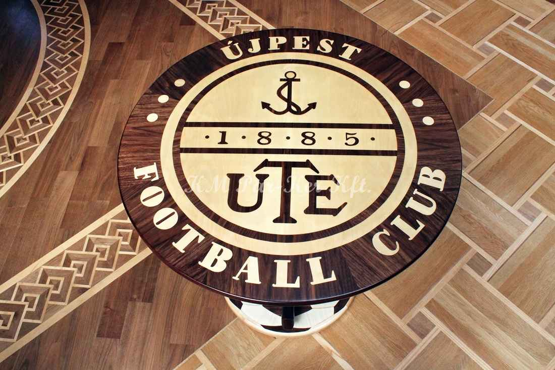 table marqueterie, Équipe de football, UTE Újpest Football Club
