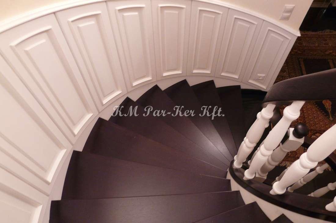 fa lépcső 10, pácolt tölgy, festett falburkolat