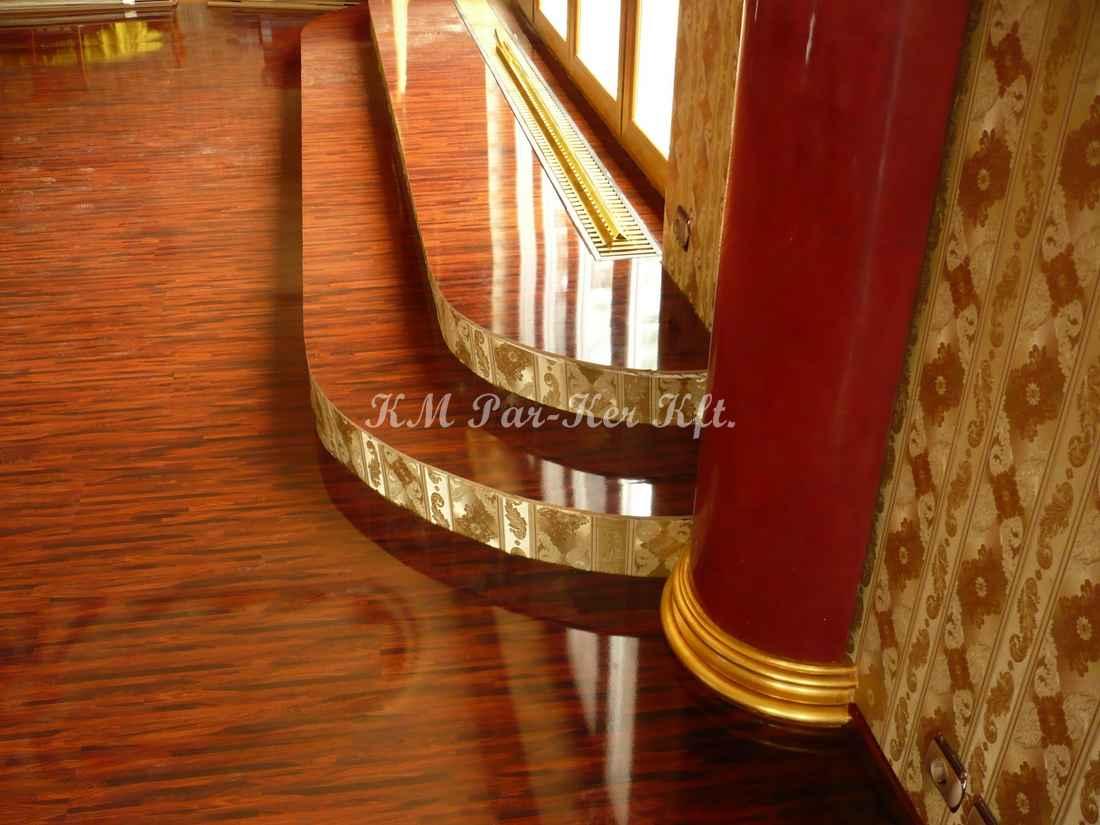 fa lépcső 26, tapétás homloklap