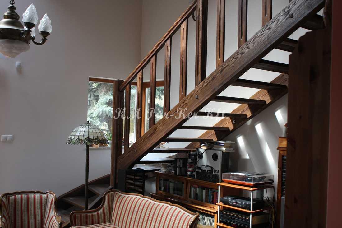 fa lépcső 34, antikolt fenyő