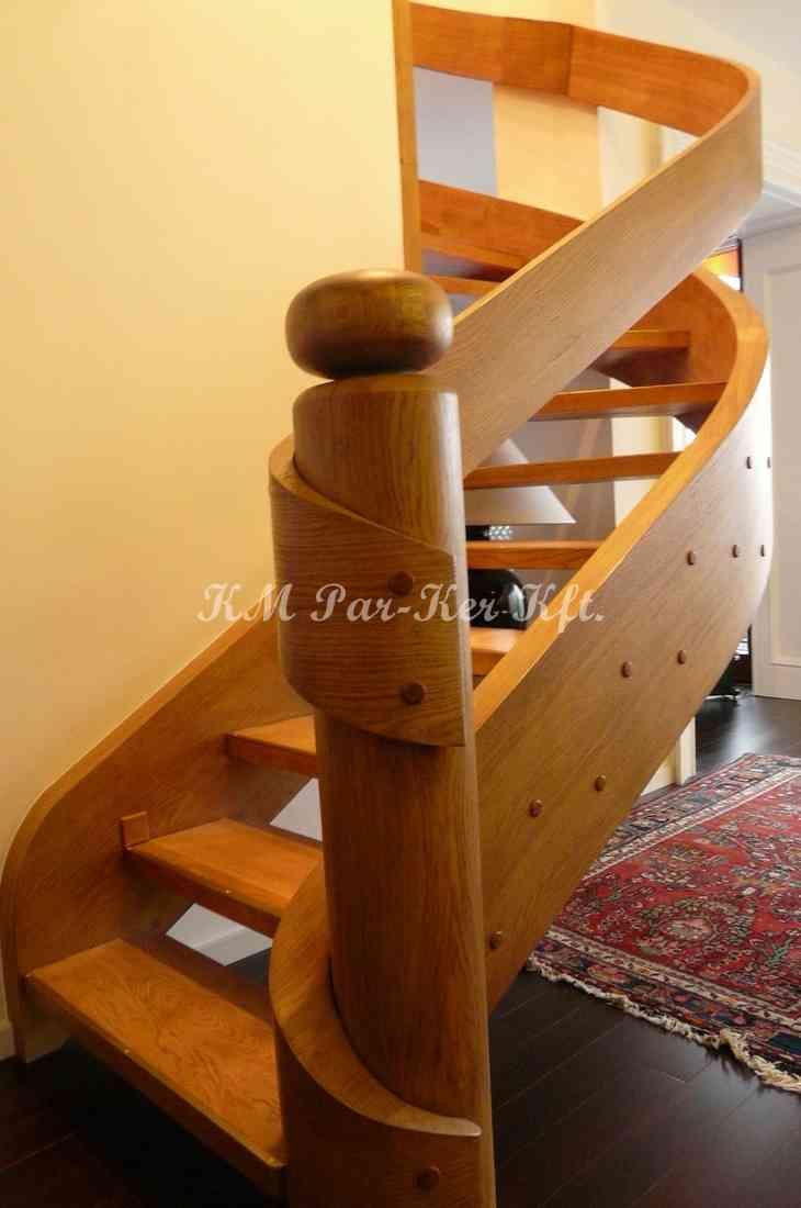 fa lépcső 37, íves, pácolt lakkozott