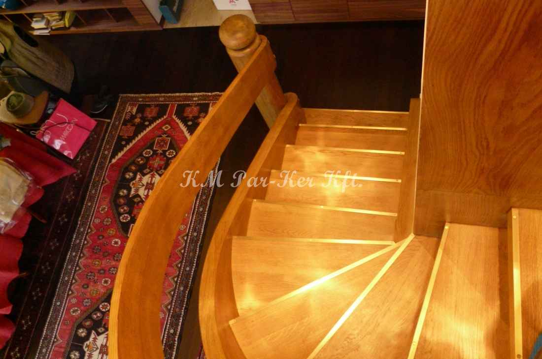 fa lépcső 38, hajlított korlát
