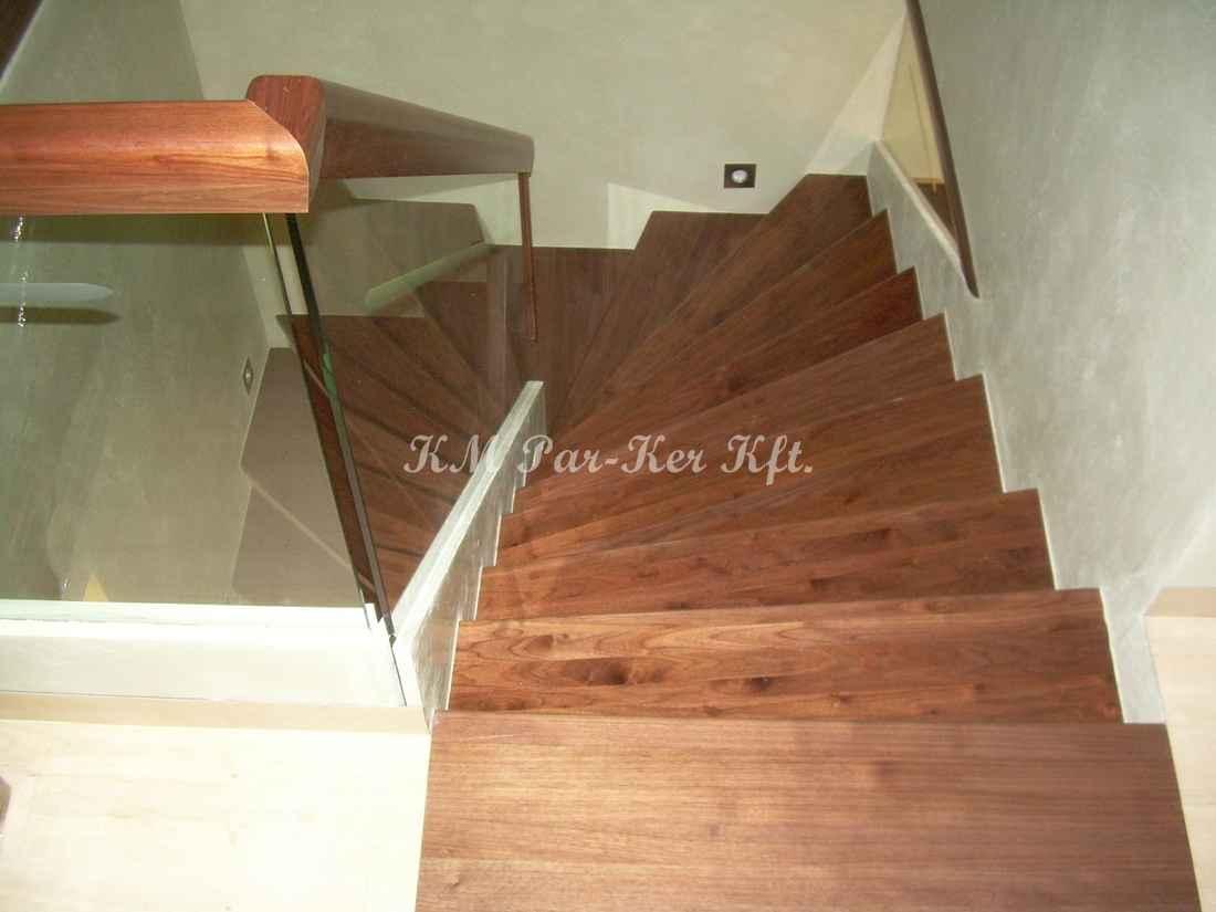 fa lépcső 42, tömbösített tömör dió