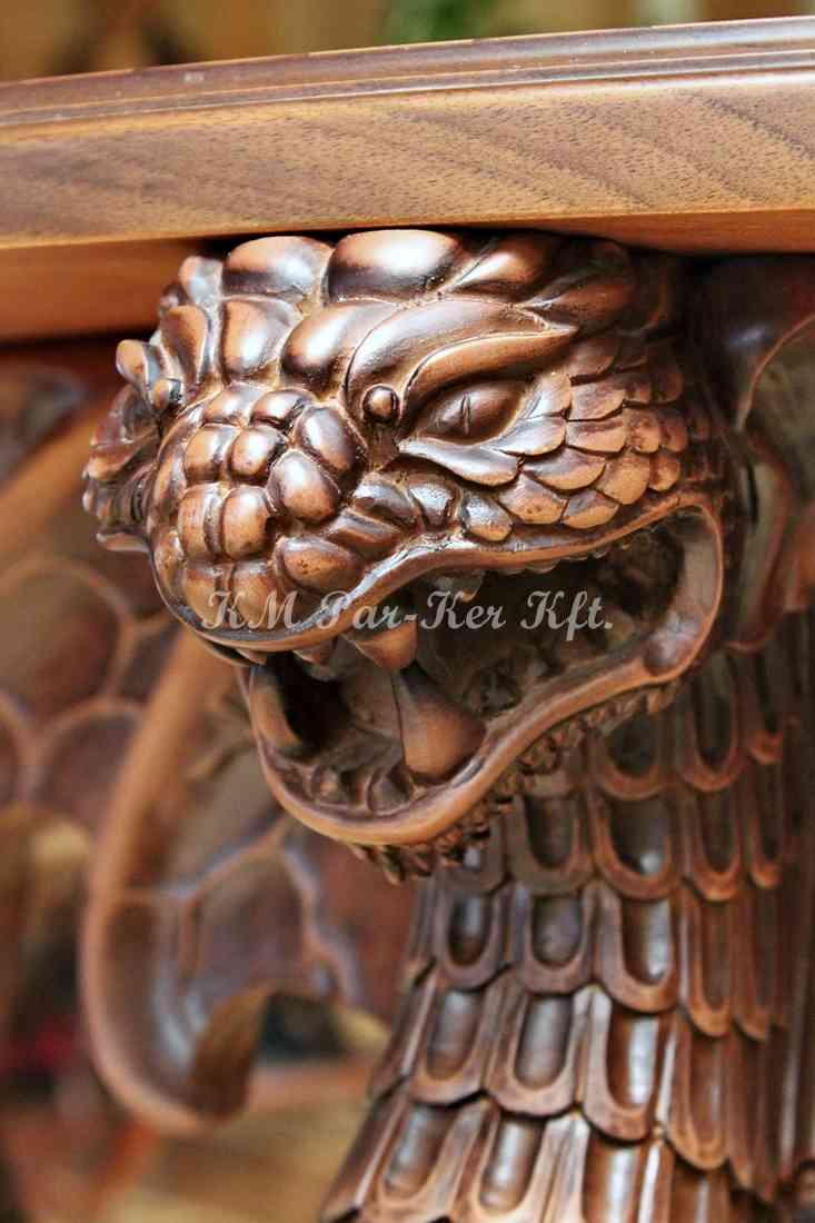 faragott bútor 18, sárkány asztalláb