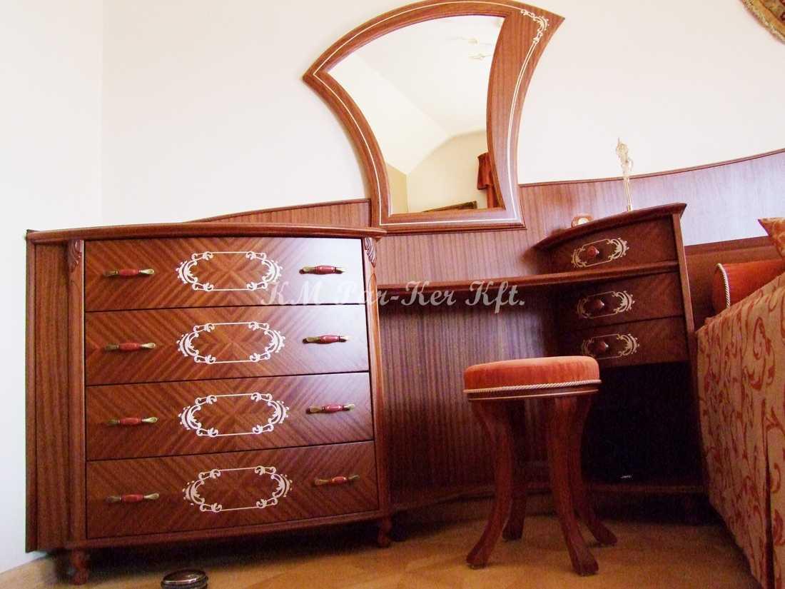 intarziás bútor 47, fésülködő asztal