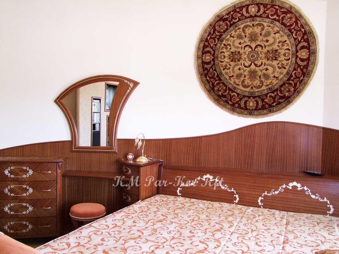intarziás bútor 48, fésülködő komód, ágy