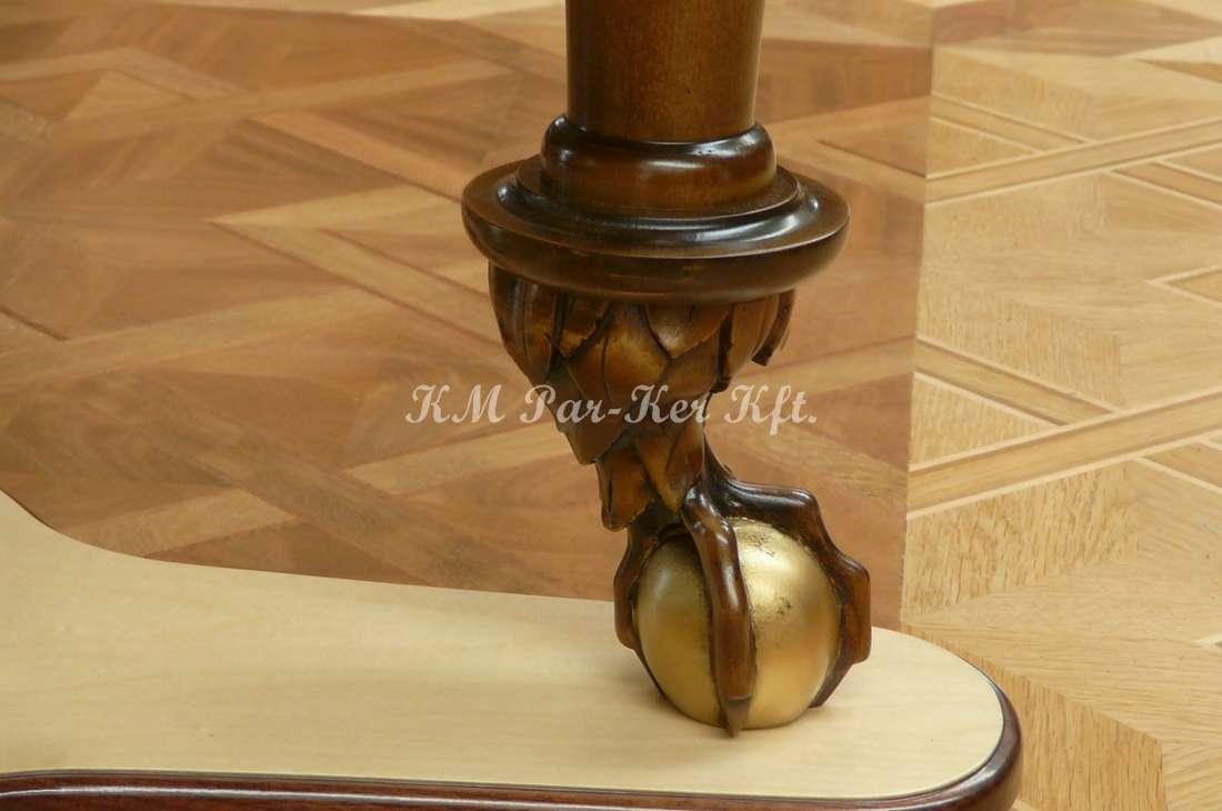 intarziás bútor 79, faragott láb, Fradi sas