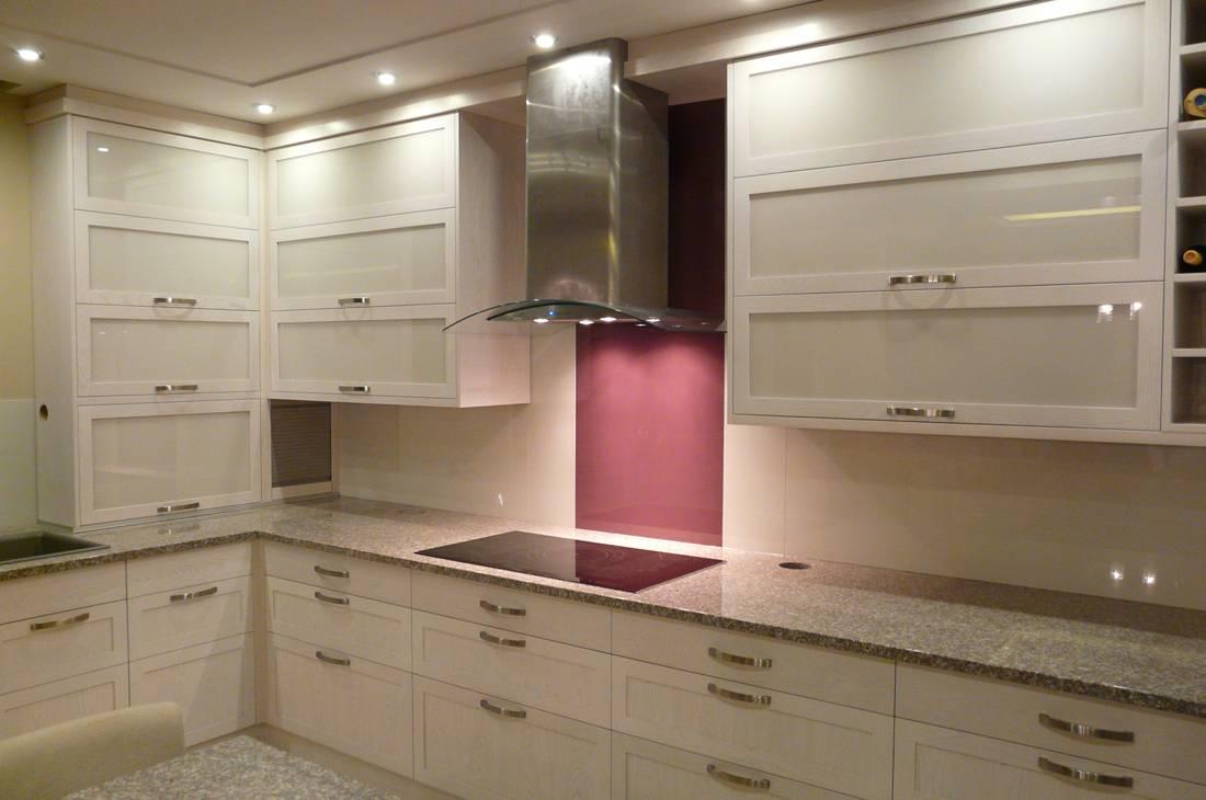 konyhabútor 16, magasfényű fehér konyhaszekrény
