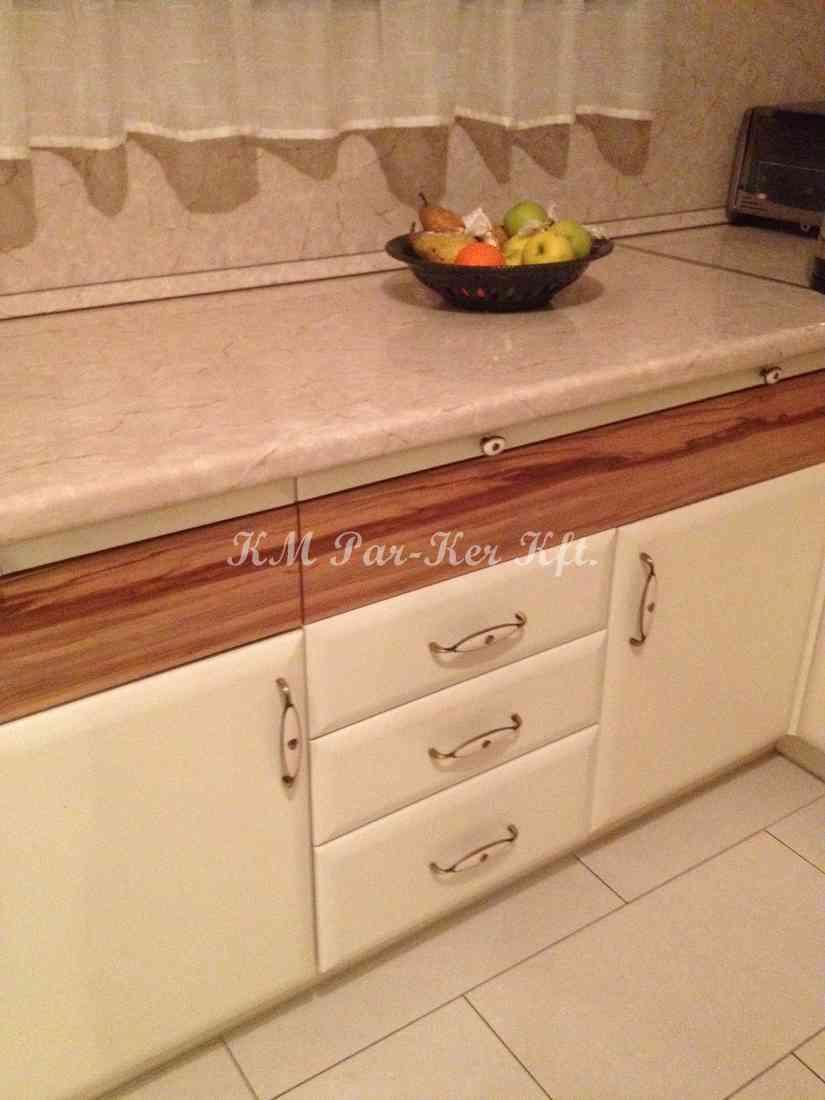 konyhabútor 18, dió betétes festett konyhaszekrény