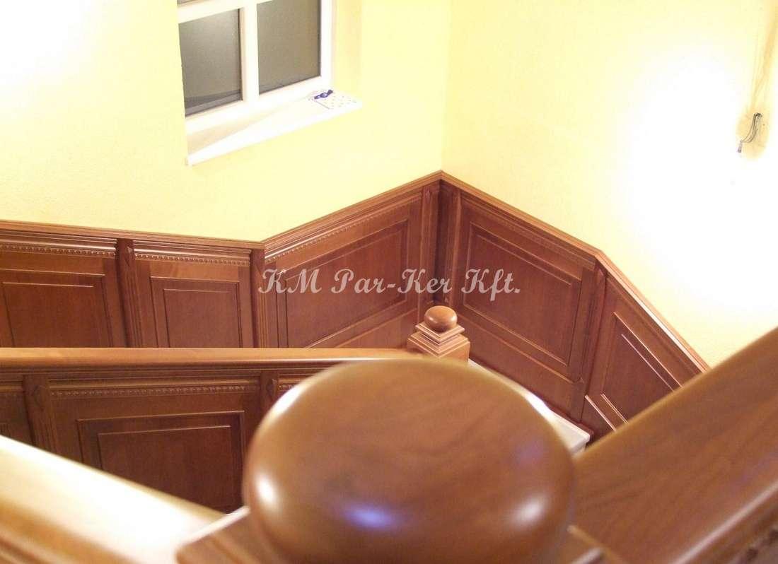 lépcső falburkolat, mart díszléc