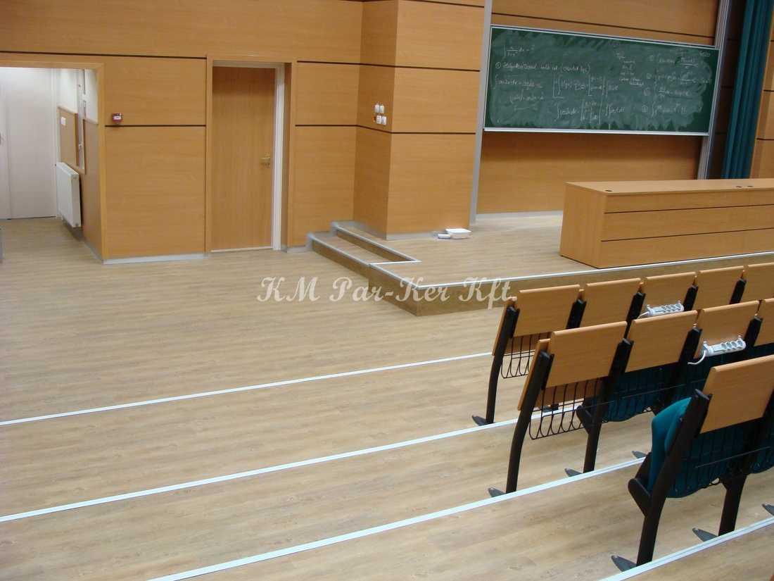 PVC padló 17, nagy kopásállóságú tanterem
