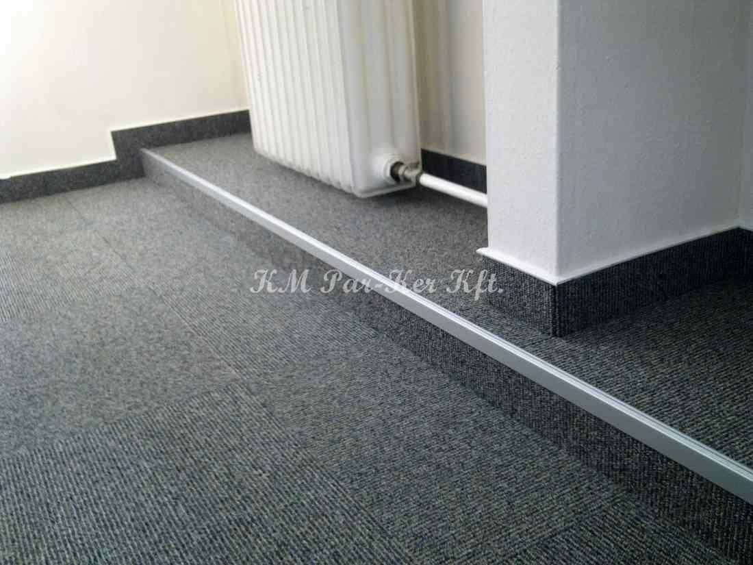 szőnyegpadló modul 16, fém élvédővel