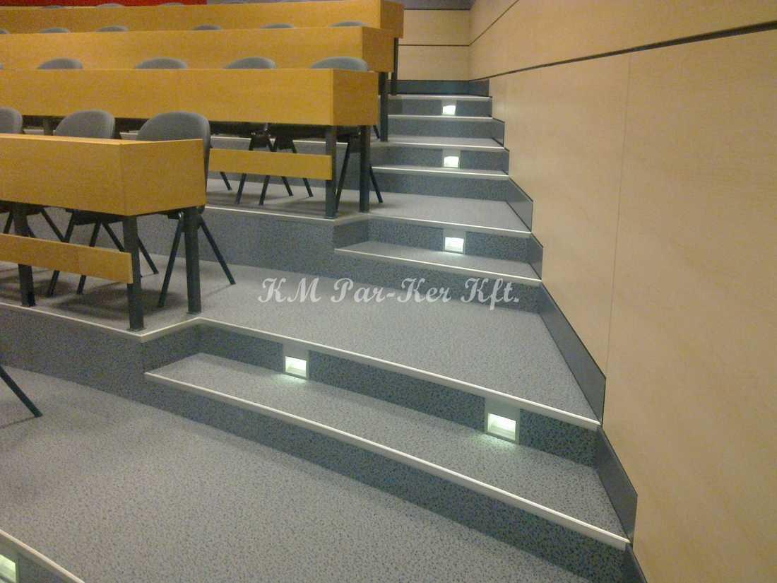szőnyeg padló poliamid 08, lépcső, előadó terem