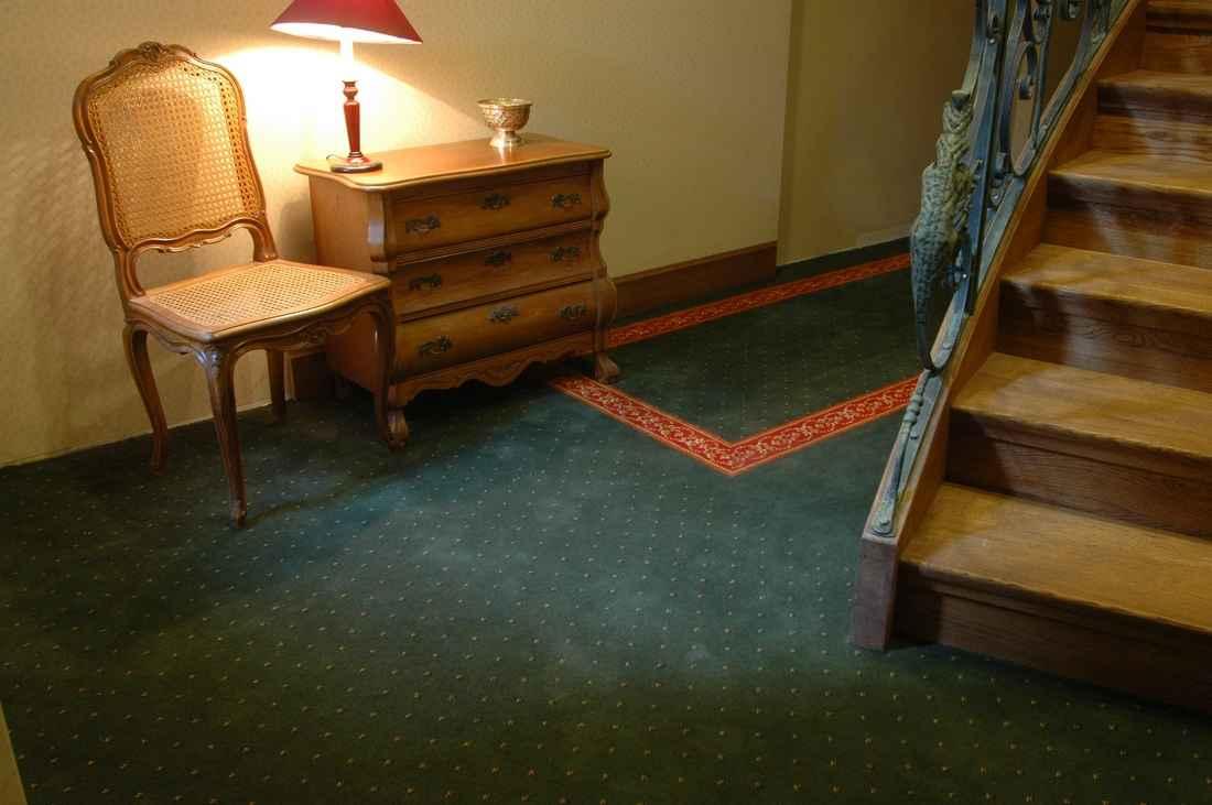 szőnyegpadló poliamid 47, mintás bordűr