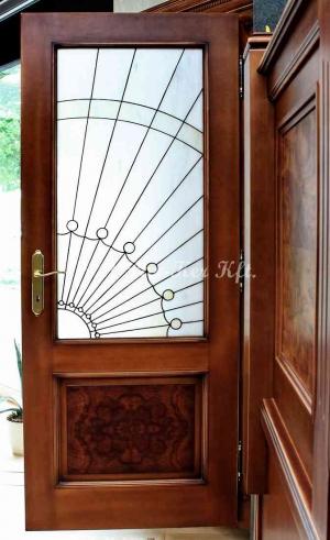 beltéri ajtó, nyílászáró, pácolt juhar dió betéttel