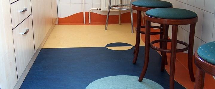 linóleum padló -mintás konyha
